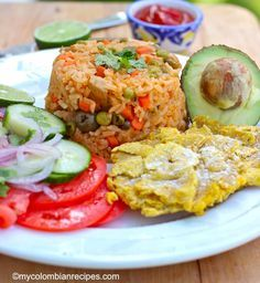 Arroz Apastelado Costeño (Sticky Rice from the Coast) My Colombian Recipes, Colombian Cuisine, Cuban Recipes, Rice Recipes, Colombian Breakfast, Main Dishes, Side Dishes, Carrots And Green Beans, Pork Meat