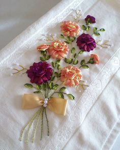 Image gallery – Page 322288917080398742 – Artofit Embroidery Floss Crafts, Floral Embroidery Patterns, Hand Embroidery Flowers, Crochet Flower Patterns, Hand Embroidery Designs, Embroidery Stitches, Ribbon Flower Tutorial, Ribbon Embroidery Tutorial, Silk Ribbon Embroidery