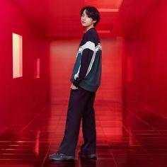 K Pop, Jimin, Bts Bangtan Boy, Kim Taehyung, Most Handsome Men, Daegu, Fall Collections, Record Producer, Korean Boy Bands