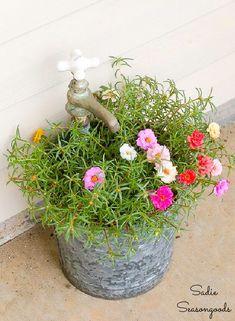 Galvanized bucket planter Rustic Planters, Metal Planters, Flower Planters, Diy Planters, Hanging Planters, Flower Pots, Porch Planter, Basket Planters, Container Flowers