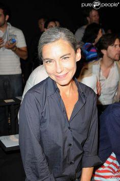 Élisabeth Quin au défilé de la collection masculine Hermès Printemps-Été 2011. 26 juin 2010