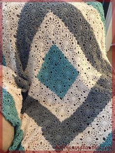 Square Upon Square Throw with better instructions ✿⊱╮Teresa Restegui http://www.pinterest.com/teretegui/✿⊱╮