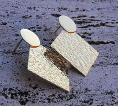 Brass and hammered effect earrings