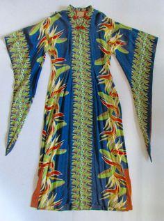 Vintage Hawaiian Maxi dress Alfred Shaheen Mermaid Style Blue Cotton M/L Vintage Dresses, Vintage Outfits, Vintage Clothing, 1950s Fashion, Vintage Fashion, Hawaiian Fashion, Tiki Dress, Vintage Tiki, Vintage Hawaiian Shirts
