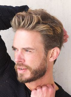 Hairstyle For Round Face Men Fair Top 35 Elegant Haircuts For Guys With Square Faces  Pinterest