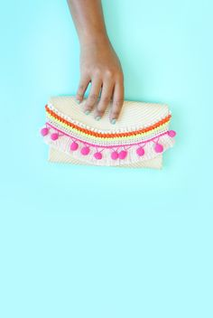 No-sew clutch purse with pom pom trim embellishments #CRAFT #STYLE #SUMMER #KIDS #FUN #MAKE