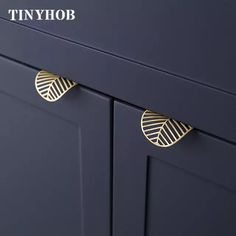 Leaf shape /brass Door knob European Antique Furniture Handles Drawer Pulls Kitchen Cabinet gold Knobs and Handles-in Cabinet Pulls from Home Improvement on AliExpress Knobs And Handles, Brass Handles, Drawer Handles, Knobs And Pulls, Brass Cabinet Hardware, Kitchen Cabinet Handles, Drawer Knobs, Hardware For Cabinets, Antique Brass Door Knobs