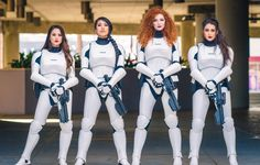 Female Stormtrooper Cosplay by Hendo Art, Rian Synnth Cosplay, Ashlynne Dae, and Elizabeth Rage Star Wars Mädchen, Star Wars Girls, Amazing Cosplay, Best Cosplay, Film Science Fiction, Cosplay Girls, Cosplay Costumes, Real Costumes, Awesome Costumes