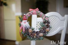 Рождественский венок с гномом и орешками #Christmas_wreath #Рождественский_венок #новогодний_венок