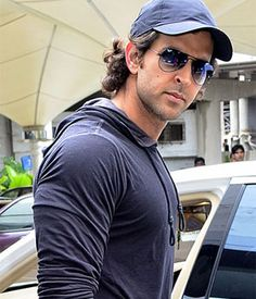 Bang Bang shooting to resume in November   Bollywood Celebden