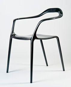 Silla de aluminio Alea de Simone Viola vía decoratrix.com