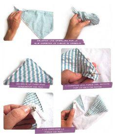 Tutorial que muestra el paso a paso para confeccionar un babero de bandana para bebé Toddler Bibs, Baby Bibs, Toddler Girl Outfits, Kids Outfits, Baby Patterns, Sewing Patterns, Sewing Hacks, Sewing Projects, Couture Bb