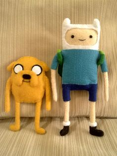 Finn and Jake from Adventure Time! Finn comes with detachable backpack. Felt: Finn and Jake Sewing Projects For Kids, Sewing For Kids, 10 Year Old Girls Room, Adventure Time Toys, Art Of Charm, Abenteuerzeit Mit Finn Und Jake, Pom Pom Animals, Baby Mobile Felt, Party Cartoon