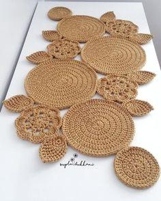 48 Trendy Crochet Table Runner Christmas Doily Patterns Knitting PatternsKnitting For KidsCrochet Hair StylesCrochet Ideas Crochet Tablecloth Pattern, Crochet Motifs, Crochet Doilies, Crochet Pattern, Diy Crafts Crochet, Crochet Home Decor, Crochet Ideas, Knit Rug, Crochet Carpet
