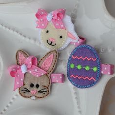 This listing is for the three-clip hair clip set pictured above. It includes three new clip styles Ive just introduced this year for Easter- a