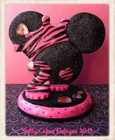 Glitter 'n Glam Minnie Mouse Keepsake Cake por jellycakesdesigns, $50.00