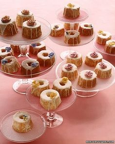 Mini angel food cakes instead of cupcakes. Could use mini bundt cakes as well Angel Cake, Angel Food Cake, Make Your Own Wedding Cakes, Unique Wedding Cakes, Diy Wedding, Purple Wedding, Budget Wedding, Gold Wedding, Wedding Reception