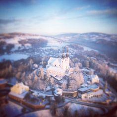 #pöstlingberg #linz #austria #lnz #linzpictures #winterisback #winter #spring #poestlingberg #church #kirche #travel #tourism #hausberg #wow #igersaustria #igerslinz #upperaustria #archive #flashback by linzpictures