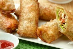 Receta para unos uxquisitos rolls de pollo con vegetales  http://informe21.com/gastronomia/receta-para-unos-uxquisitos-rolls-de-pollo-vegetarianos