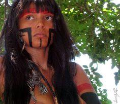 Zahy Guajajara, modelo indígena
