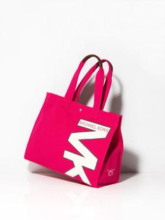 Holt Renfrew marks 175th anniversary with all things pink #fashion