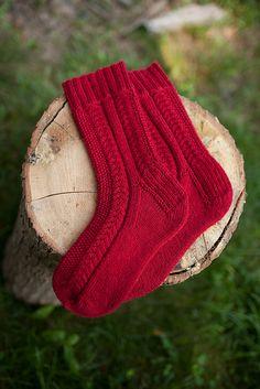 Ravelry: Woodpile Socks free pattern