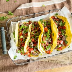 Bunt und crunchy: Veggie Tacos mit Knusperzucchini