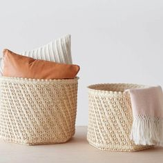 The Citizenry Solor Palm Baskets. Browse inspirational photos of modern homes. From midcentury modern to prefab housing and renovations, these stylish spaces suit every taste. Empty Fireplace Ideas, Rattan Ottoman, Ottomans, Tree House Interior, Storing Blankets, House Design Photos, Hexagon Pattern, Leaf Coloring, Ornaments