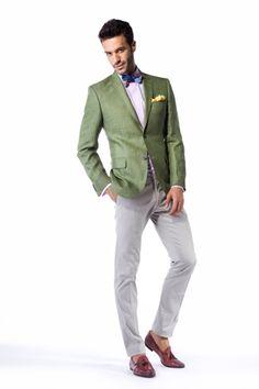 Tinuta Trends by Adina Buzatu din colectie SS 2012: sacou Sand, batista si papion Ascot, camasa CIT Luxury, pantaloni Royal Hem, pantofi Raparo