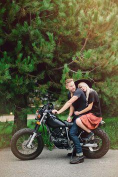 Cool Family Photo idea | Sam Larson and @Kelli Murray of @Lone Flag