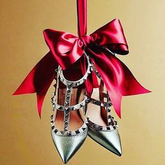 Feeling festive? #rockstuds image via @perleperla_official  p.s. Our Instagram is now shoppable click on link in bio to shop what you like