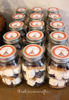 Camping Birthday Party Ideas Cool favors in mason jars at a Camping party! See more party ideas at C Camping Party Favors, Camping Parties, Camping Themed Party, Adult Camping Party, Camping Birthday Cake, Easter Camping, Cupcake Party Favors, Camping Party Decorations, Bonfire Birthday