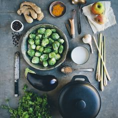 Rezept von David Frenkiel & Luise Vindahl: Curry mit Zitronengras, Auberginen und Rosenkohl