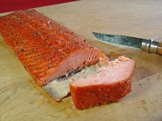 There are two basic ways to cure fish for smoking. One method is using a liquid brine cure. The second is a dry cure. I favor the dry cur. Grilling Recipes, Pork Recipes, Fish Recipes, Seafood Recipes, Smoked Trout, Smoked Fish, Smoked Salmon Recipes, Smoking Recipes, Gastronomia