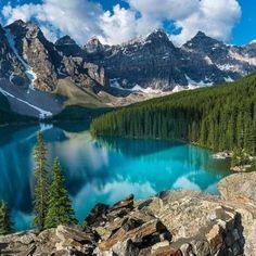 Parque Nacional de Banff (Canadá): Ubicado en las Montañas Rocosas, tiene más de 6.000 km cuadrados.