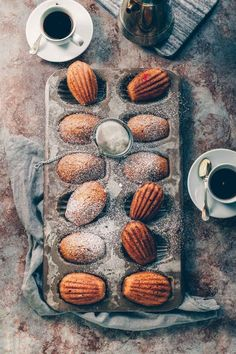 Vanilla-Mocha Madeleines Vanilla-Mocha Madeleines & Lemons + Anchovies The post Vanilla-Mocha Madeleines & {Gebäck & pastry} appeared first on Patisserie . Just Desserts, Delicious Desserts, Yummy Food, French Desserts, Baking Recipes, Cookie Recipes, Dessert Recipes, Tea Cakes, Book Cakes