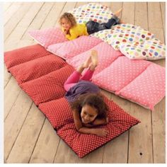 5 pillows....5 pillowcases...sew together!  How cool!!!!