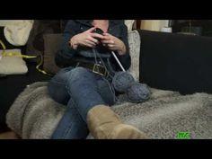 Knitting the pouf cover - Een hoes voor de poef breien