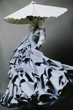 Fashion Art, High Fashion, Fashion Outfits, Fashion Design, Couture Fashion, Fashion Quiz, Fashion Forms, 80s Fashion, London Fashion