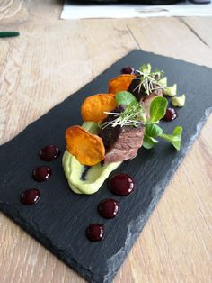 avocado pure, rote bette gel and chips Beef Ribs, Avocado Toast, Bbq, Chips, Food And Drink, Pure Products, Breakfast, Barbecue, Morning Coffee