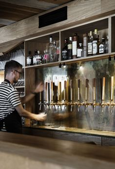 The bar serves up a wide range of wine, beer, spirits and aquavits.