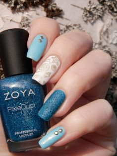 Blue skittlette with Picture Polish Whimsy, Zoya Liberty & Gina Tricot White and MoYou image plate Sailor Collection 07