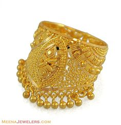 Jewerly gold indian rings 34 ideas for 2019 Gold Bangles Design, Gold Earrings Designs, Necklace Designs, Jewelry Design, Gold Rings Jewelry, Schmuck Design, Gold Pendant, Indian Jewelry, Fashion Jewelry