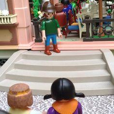 Maximiliano, por favor quero apresentá-lo a noiva de meu filho Antônio Joaquim ... #aduchesa #bonecorama #playmobil