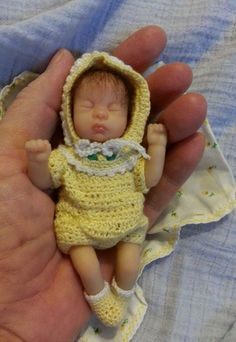 ASHTON DRAKE HEAVENLY HANDFULS  BABY DOLL RARE AND HTF!!!  #ashtondrake #DollswithClothingAccessories