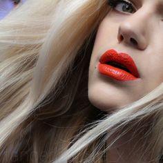 MyFantasyHair.com Wearing our Bleach Blonde extensions! #myfantasyhair #myfantasyhairextensions #mfhextensions #fashion #longhair #beauty #hairextensions #clipin #humanhair #clipinhairextensions #bleachblonde #blondehair #longhairdontcare #makeupartist