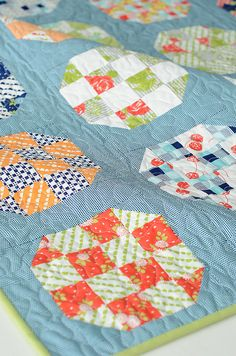 16 patch block with the HST corners Cute Quilts, Scrappy Quilts, Quilting Projects, Quilting Designs, Quilting Ideas, Quilt Block Patterns, Quilt Blocks, Snowball Quilts, Charm Pack Quilts