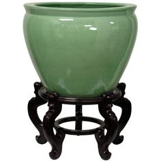 A beautiful Asian style fishbowl, finished in a traditional high gloss pale jade…