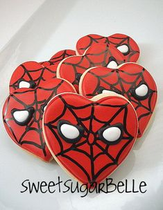 Valentine's Day Spiderman Cookies - Sugarbelle is a cookie genius - I have wanted to make these since I saw them. I jumped at the chance to volunteer to do Valentine's treats for my boys just so I could finally make them! Valentines Day Cookies, Valentines For Boys, Birthday Cookies, Valentines Hearts, Valentine Nails, Valentine Ideas, Heart Cookies, Iced Cookies, Sugar Cookies