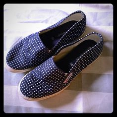 Size 39 Superga Slip-Ons - Navy Polka Dots Worn 3 times max, and my feet grew when I became a mama! I love these super cute Superga slip ons. Barely any signs of use, cute and classic, navy and white polka dots. Looks cute with dresses and pants! I will miss these guys-- make me an offer! Superga Shoes Sneakers